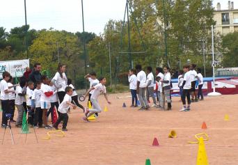 Découverte de l'athlétisme avec l'Ecole des pointes - Bellevue